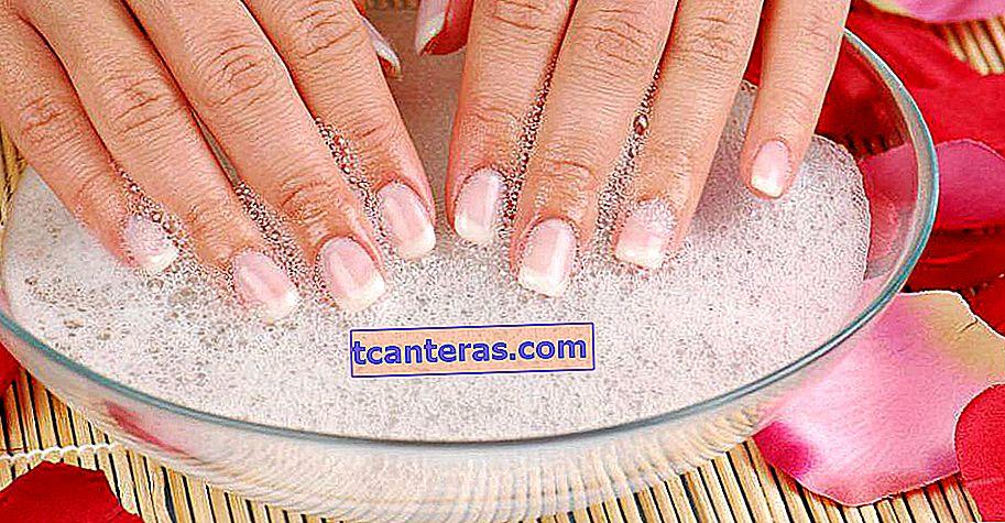 Método natural de dos ingredientes para blanquear tus uñas amarillentas en poco tiempo