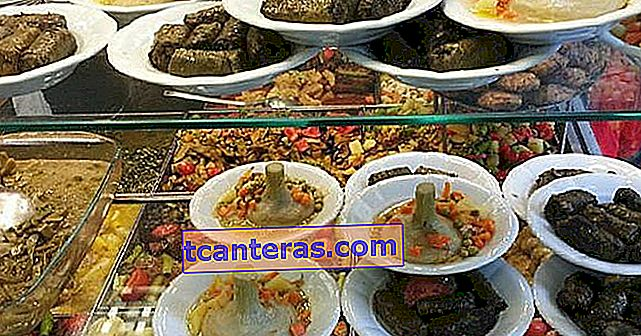 Respuesta a los que dicen que no hay lugar para comer en el restaurante Beyoğlu 9 Tradesmen