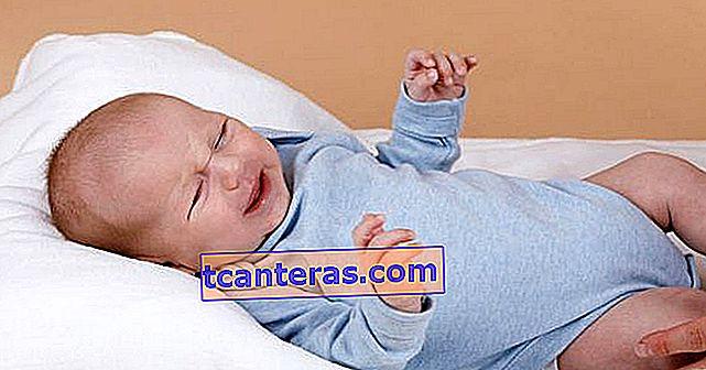 No les preocupe: 10 formas de aliviar los dolores por gases en los bebés